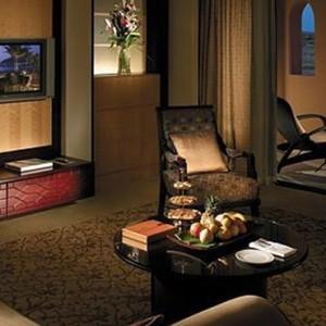 Abu Dhabi Honeymoon Packages Shangri La Al Husn Resort And Spa One Bedroom Suite