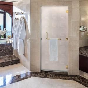 Abu Dhabi Honeymoon Packages Shangri La Al Husn Resort And Spa Bathroom