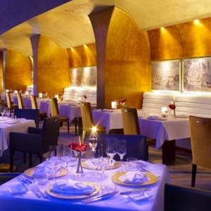 Abu Dhabi Honeymoon Packages Shangri La Al Husn Resort And Spa Dining 3