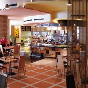 Oman Honeymoon Packages Al Bandar At Shangri La AlJissah Dining 2