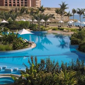 Oman Honeymoon Packages Al Bandar At Shangri La AlJissah Pool 2