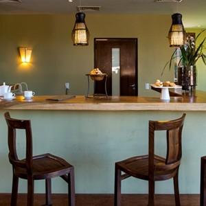 south america honeymoon packages - loi suites iguazu - bar