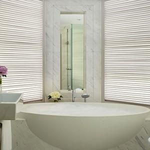 Hong Kong Honeymoon Packages The Langham Hong Kong One Bedroom Suite Bathroom