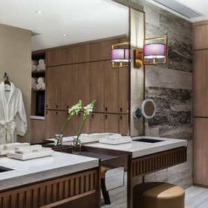 Hong Kong Honeymoon Packages The Langham Hong Kong Spa Room