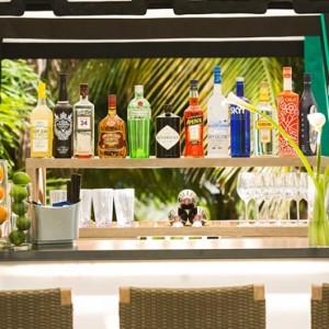 Miami Honeymoon Packages Kimpton Surfcomber Hotel Miami South Beach Bar 2