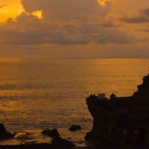 Bali Honeymoon Packages The Chedi Club Tanah Gajah, Ubud Bali Temple Sunset