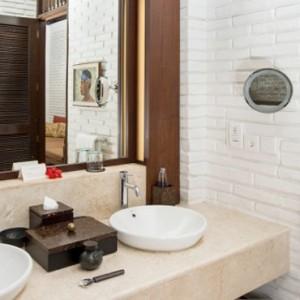 Bali Honeymoon Packages The Chedi Club Tanah Gajah, Ubud One Bedroom Suite Bathroom1