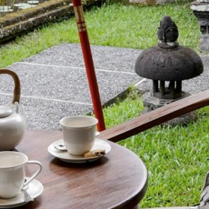 Bali Honeymoon Packages The Chedi Club Tanah Gajah, Ubud One Bedroom Suite Tea Time At The Terrace