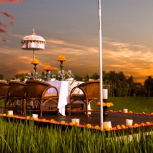 Bali Honeymoon Packages The Chedi Club Tanah Gajah, Ubud Private Dining On Rice Paddy Field1