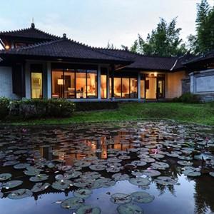 Bali Honeymoon Packages The Chedi Club Tanah Gajah, Ubud The Hadiprana Villa Exterior Side View