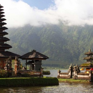Bali Honeymoon Packages The Chedi Club Tanah Gajah, Ubud Ulun Danau Temple Bali