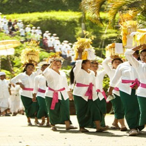 Bali Honeymoon Packages COMO Uma Ubud Procession