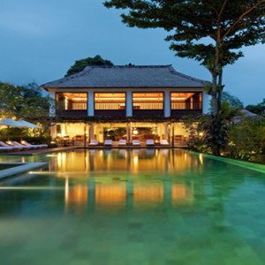 Bali Honeymoon Packages COMO Uma Ubud Uma Pool And Bar By Night