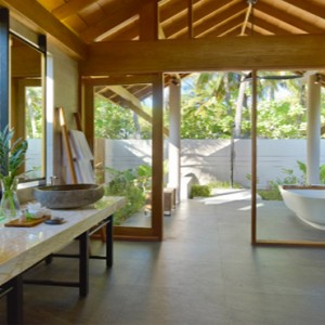 Maldive Honeymoon Packages Faarufushi Maldives Beach Bungalow Bathroom