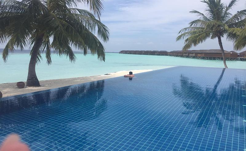 Thomas And Annmarie Vilamendhoo Island Blog Infinity Pool