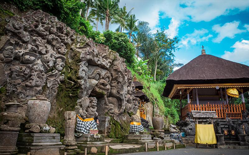 Romantic Things To In Bali Goa Ganjah Temple