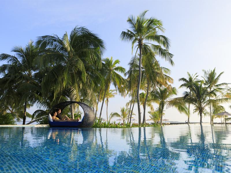 10 Reasons To Honeymoon At Dhigali Pool