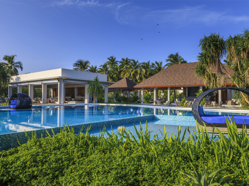 10 Reasons To Honeymoon At Dhigali Pool 3