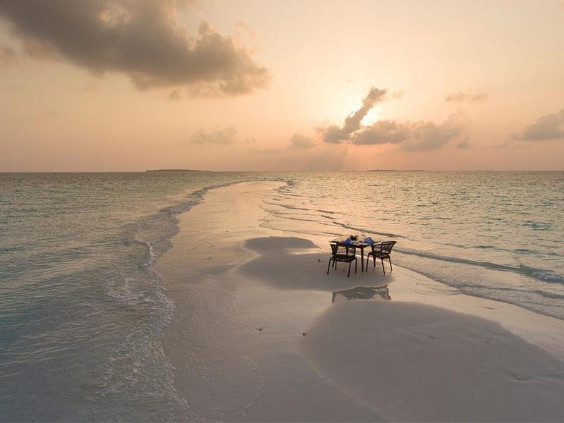 10 Reasons To Honeymoon At Dhigali Sandbank2