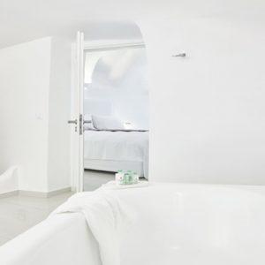 Greece Honeymoon Packages Chromata Hotel Santorini Senior Suites4