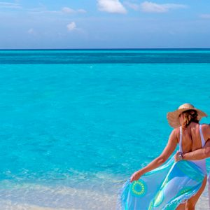 Maldives Honeymoon Packages You And Me Cocoon Maldives Couple On Beach