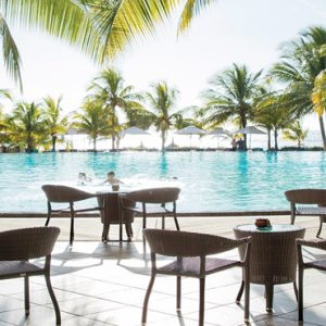 Mauritius Honeymoon Packages Victoria Beachcomber Resort And Spa Pool And Bar