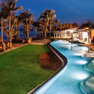 Mauritius Honeymoon Packages Victoria Beachcomber Resort And Spa Swim Up Room 2