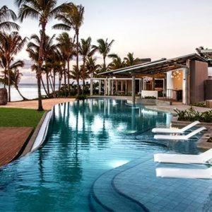 Mauritius Honeymoon Packages Victoria Beachcomber Resort And Spa Swim Up Room 3