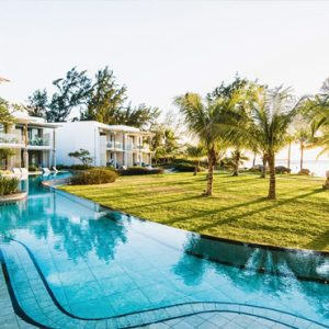 Mauritius Honeymoon Packages Victoria Beachcomber Resort And Spa Victoria For Two Swim Up Pool