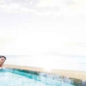 Mauritius Honeymoon Packages Victoria Beachcomber Resort And Spa Victoria For Two Woman In Swim Up Pool