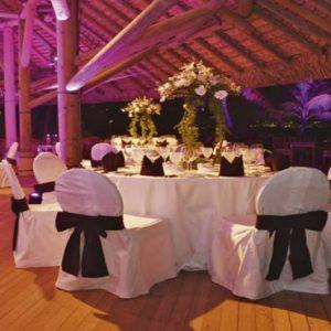 Mauritius Honeymoon Packages Victoria Beachcomber Resort And Spa Wedding Reception Setup