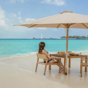 Maldives Honeymoon Packages Fushifaru Sandbank Brunch
