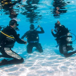 Maldives Honeymoon Packages Fushifaru Scuba Diving