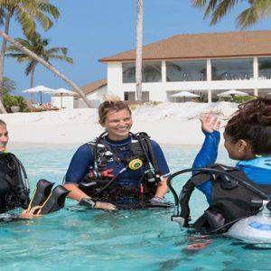 Maldives Honeymoon Packages Reethi Faru Resort Scuba Diving