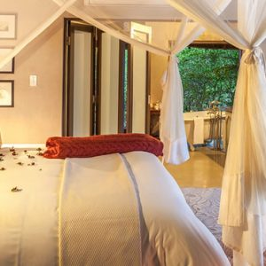 South Africa Honeymoon Packages Thornybush Game Reserve Thornybysh River Lodge