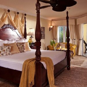 Jamaica Honeymoon Packages Sandals South Coast Honeymoon Romeo & Juliet Beachfront Walkout Club Level Suite