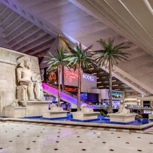 Las Vegas Honeymoon Packages Luxor Hotel & Casino Reception And Lobby Area1