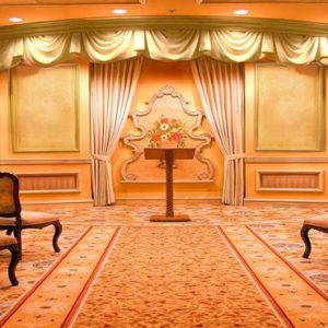 Las Vegas Honeymoon Packages Luxor Hotel & Casino Wedding Venue
