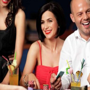 Las Vegas Honeymoon Packages Luxor Hotel & Casino Wedding Venue1