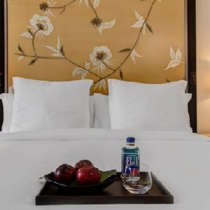 Los Angeles Honeymoon Packages Four Seasons Los Angeles Accessible Deluxe Room With Roll In Shower