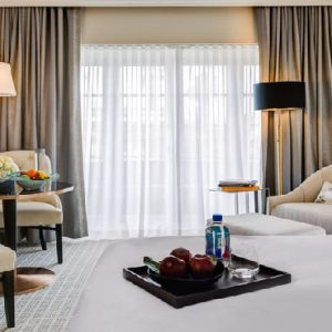 Los Angeles Honeymoon Packages Four Seasons Los Angeles Accessible Superior Room With Roll In Shower
