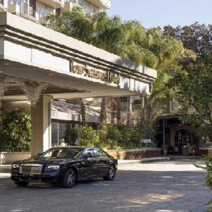Los Angeles Honeymoon Packages Four Seasons Los Angeles Entrance