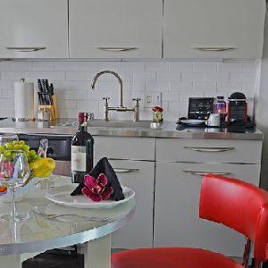 Los Angeles Honeymoon Packages Hotel Shangri La At The Ocean One Bedroom Suite With Full Gourmet Kitchen2