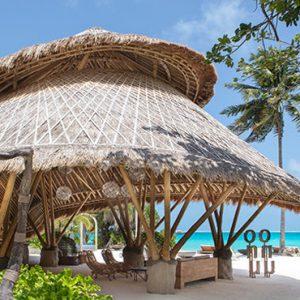 Maldives Honeymoon Packages Fairmont Maldives Sirru Fen Fushi Bar