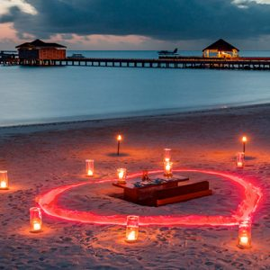 Maldives Honeymoon Packages Fairmont Maldives Sirru Fen Fushi Romantic Beach Dining1