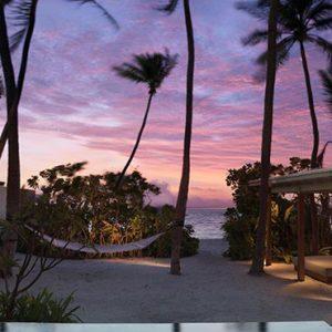 Maldives Honeymoon Packages Fairmont Maldives Sirru Fen Fushi Villa At Sunset