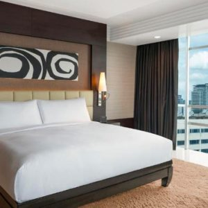 Thailand Honeymoon Packages DoubleTree By Hilton Bangkok Ploenchit King Superior Room Bedroom