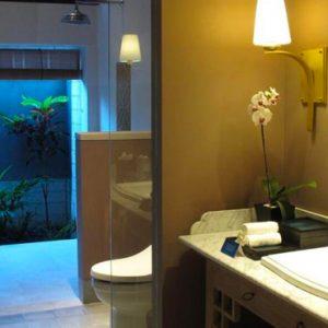 Bali Honeymoon Package Sudamala Suites & Villas Deluxe Garden Suite Bathroom