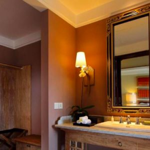 Bali Honeymoon Package Sudamala Suites & Villas Deluxe Suite Bathroom