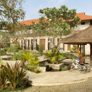 Bali Honeymoon Package Sudamala Suites & Villas Hotel Exterior Garden Area